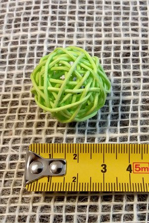 Dekoracyjna kula rattanowa średnica 3cm kolor zielony 6 szt.